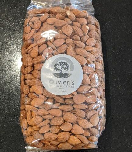 bag of raw almonds, 1kg